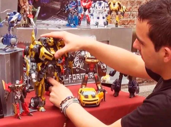 MUSEO DE TRANSFORMERS  - Plaza Norte