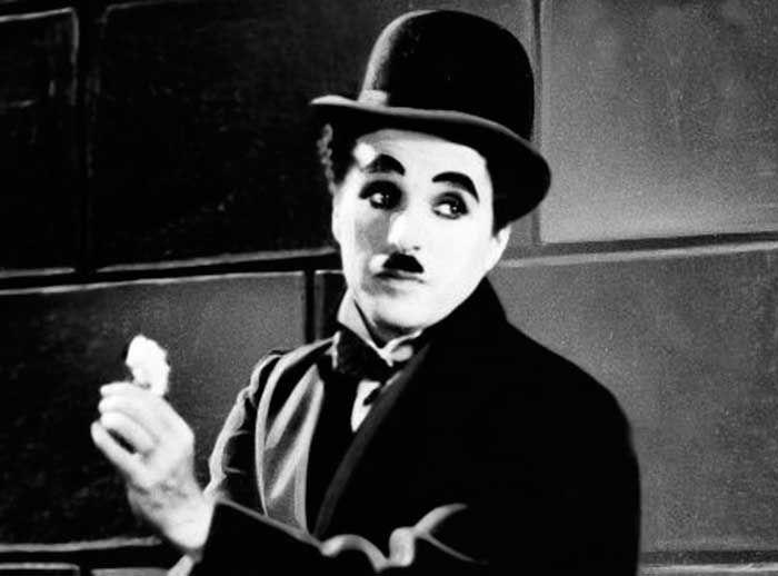 Tómate una foto con el gran Charles Chaplin - Plaza Norte