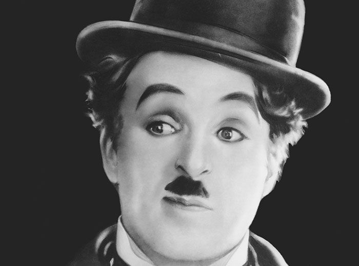 Tómate fotos con Charles Chaplin - Plaza Norte