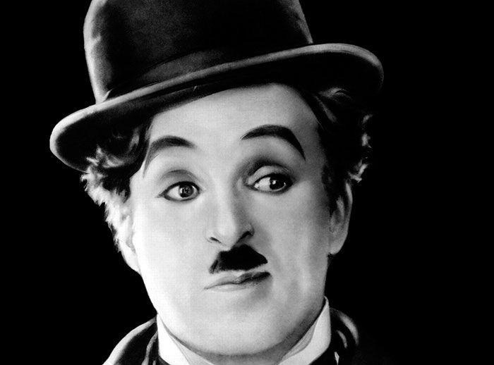 Tómate una foto con Charles Chaplin - Plaza Norte