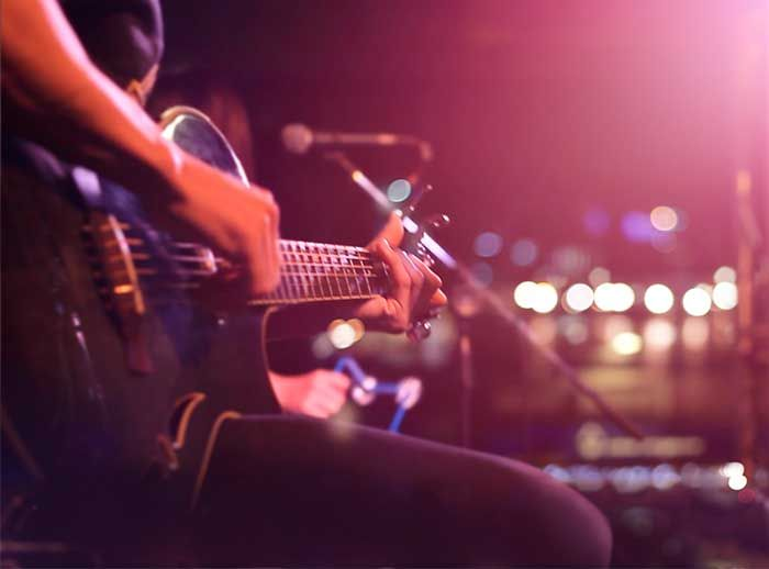 Música en vivo con Kelly Llashag - Plaza Norte