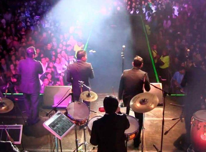 SHOW MUSICAL - TRIBUTO GRUPO 5 - Plaza Norte