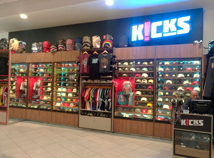 KICKS - Plaza Norte